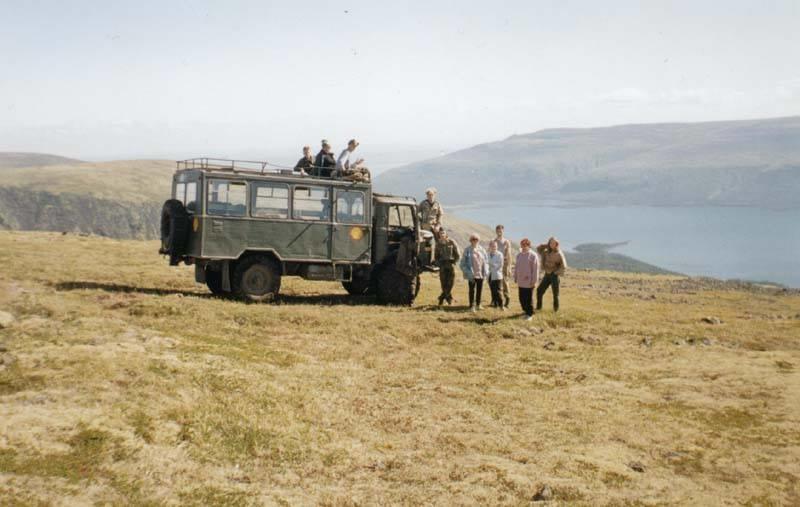 До берега Сейдозера туристов довозил только один раз, в 2001 году, когда заказник не живой был. Фото сделано перед спуском на Сейдозеро.