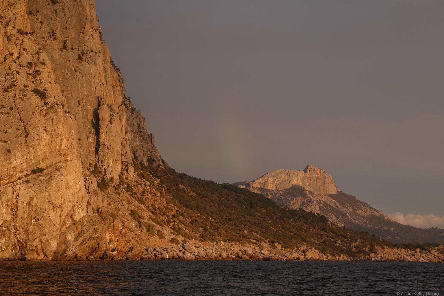 Морская прогулка на закате из Балаклавы до мыса Айя