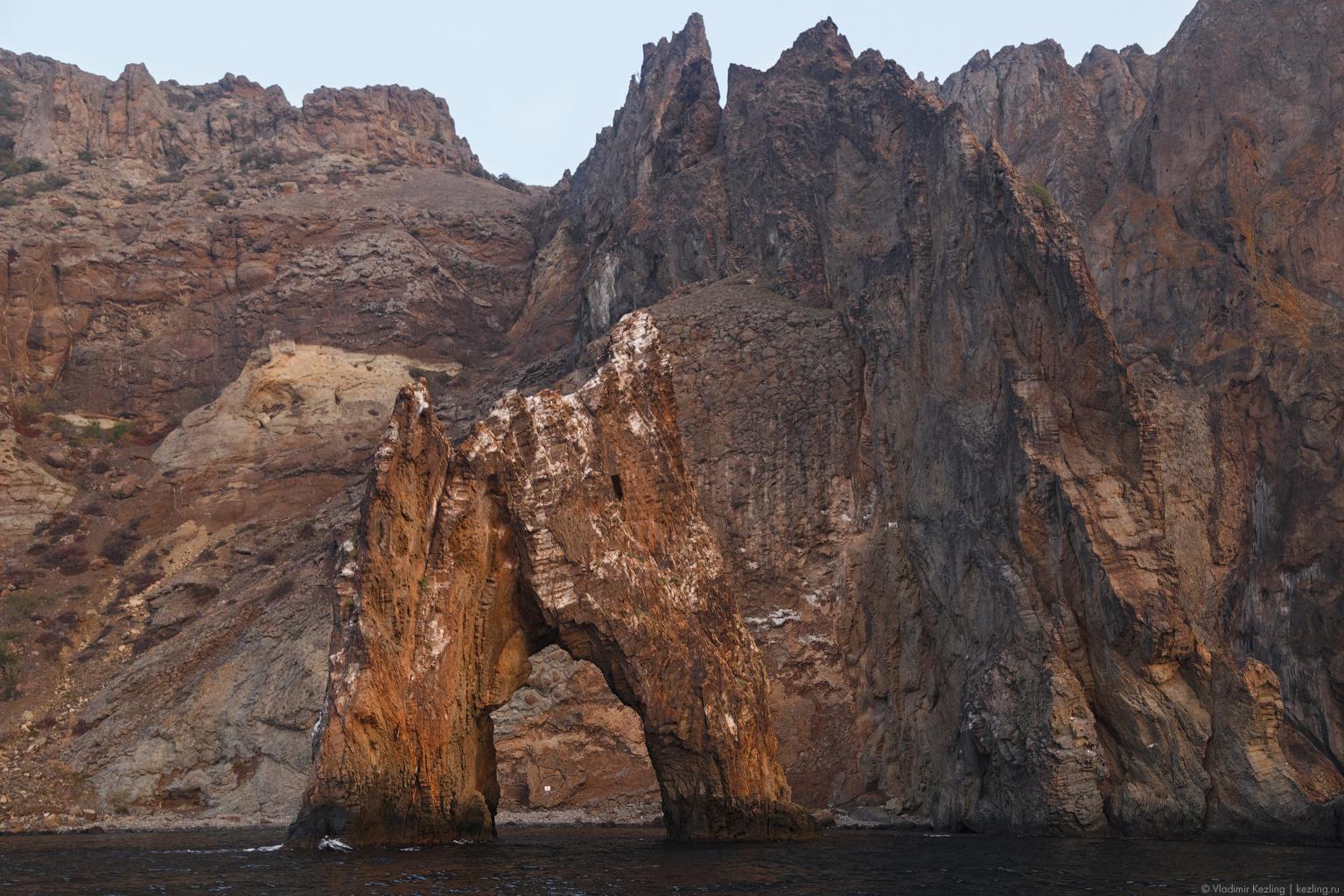 И снова Крым. Планета Коктебель: «Золотые ворота» на рассвете