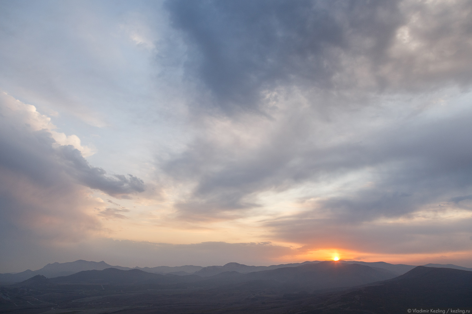 И снова Крым. Планета Коктебель: «Звездопад воспоминаний» на закате