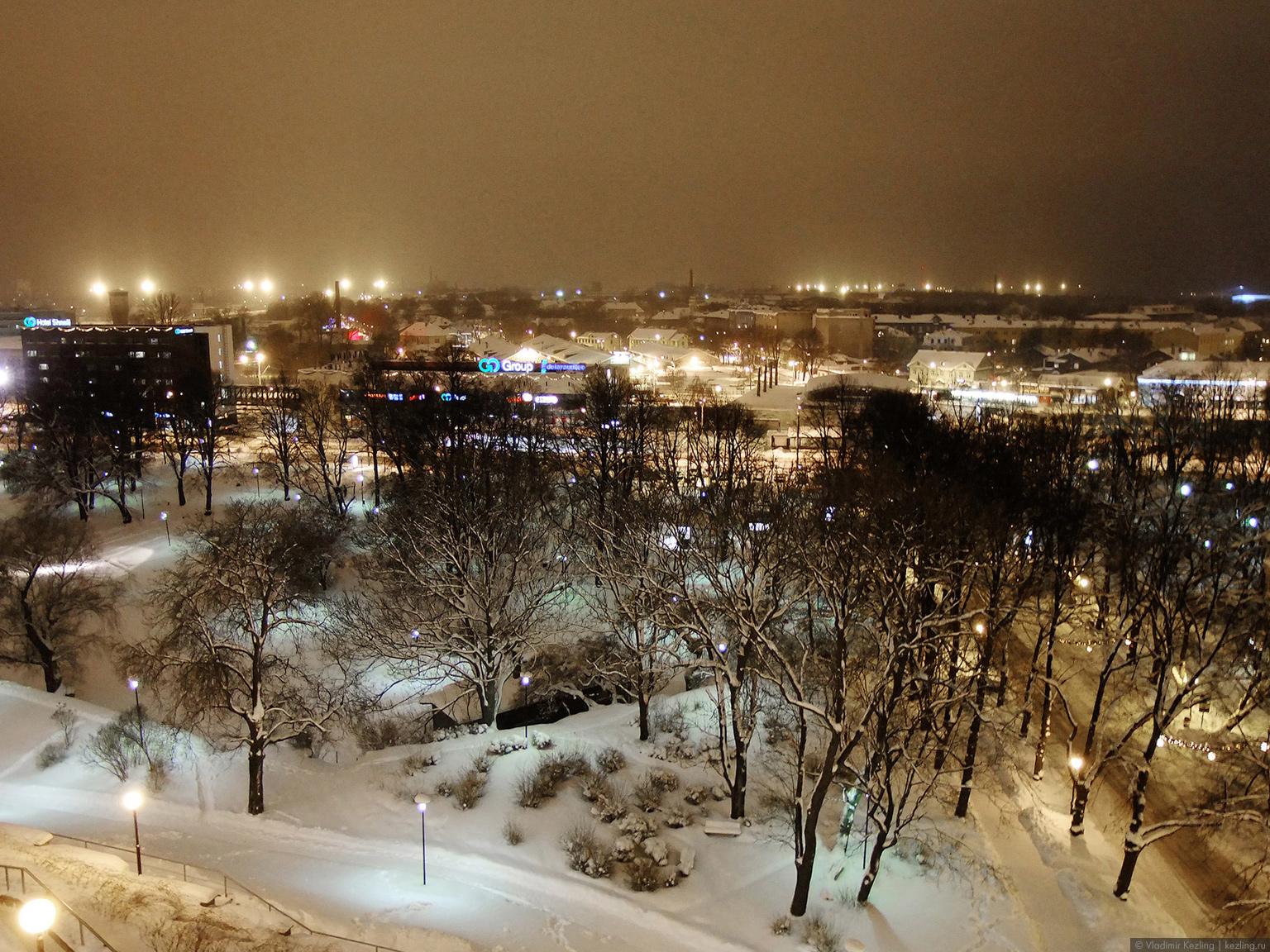 Вид на Таллин со смотровой площадки
