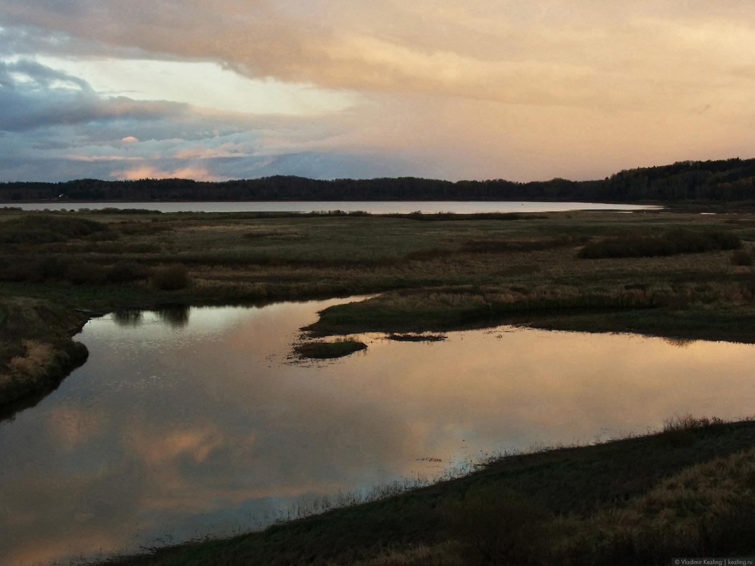 Вид на реку Сороть и озеро Кучане
