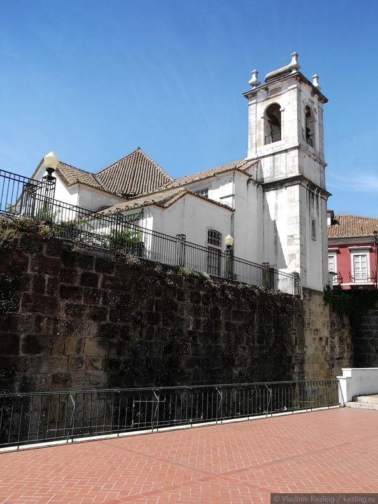 Церковь Санта-Луиза