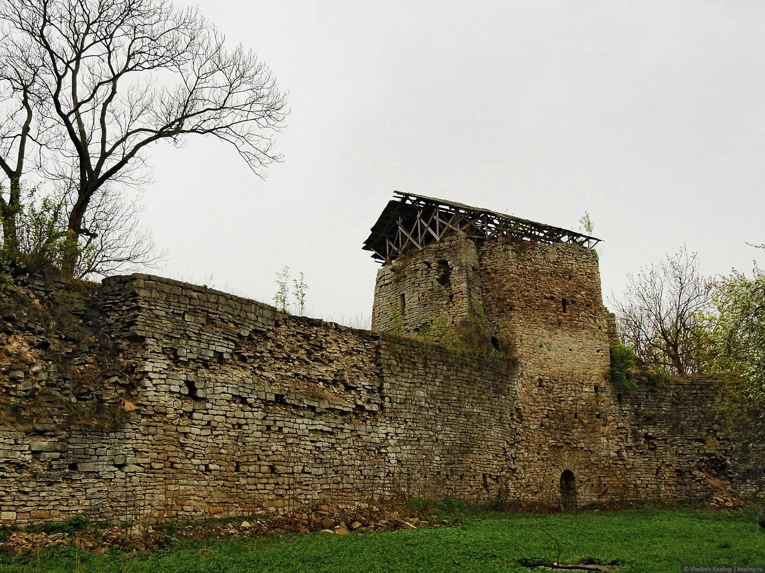 Средняя башня