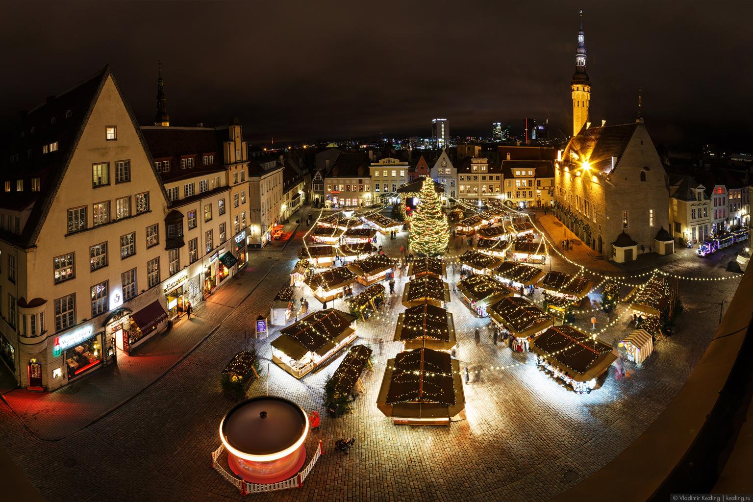 Таллин перед Рождеством 2017: Старый город в сумраке декабрьской ночи