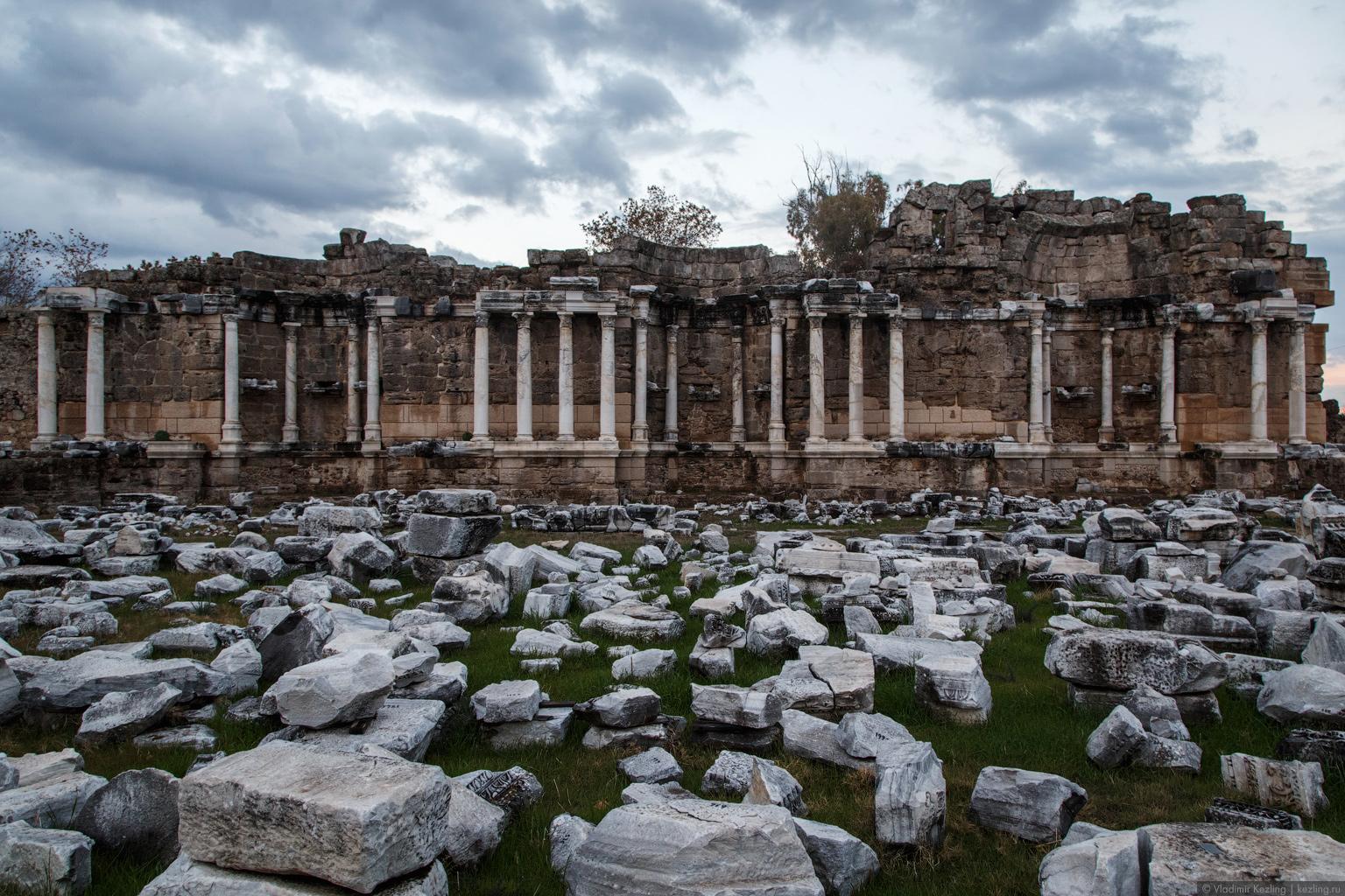Сиде: современность vs античность
