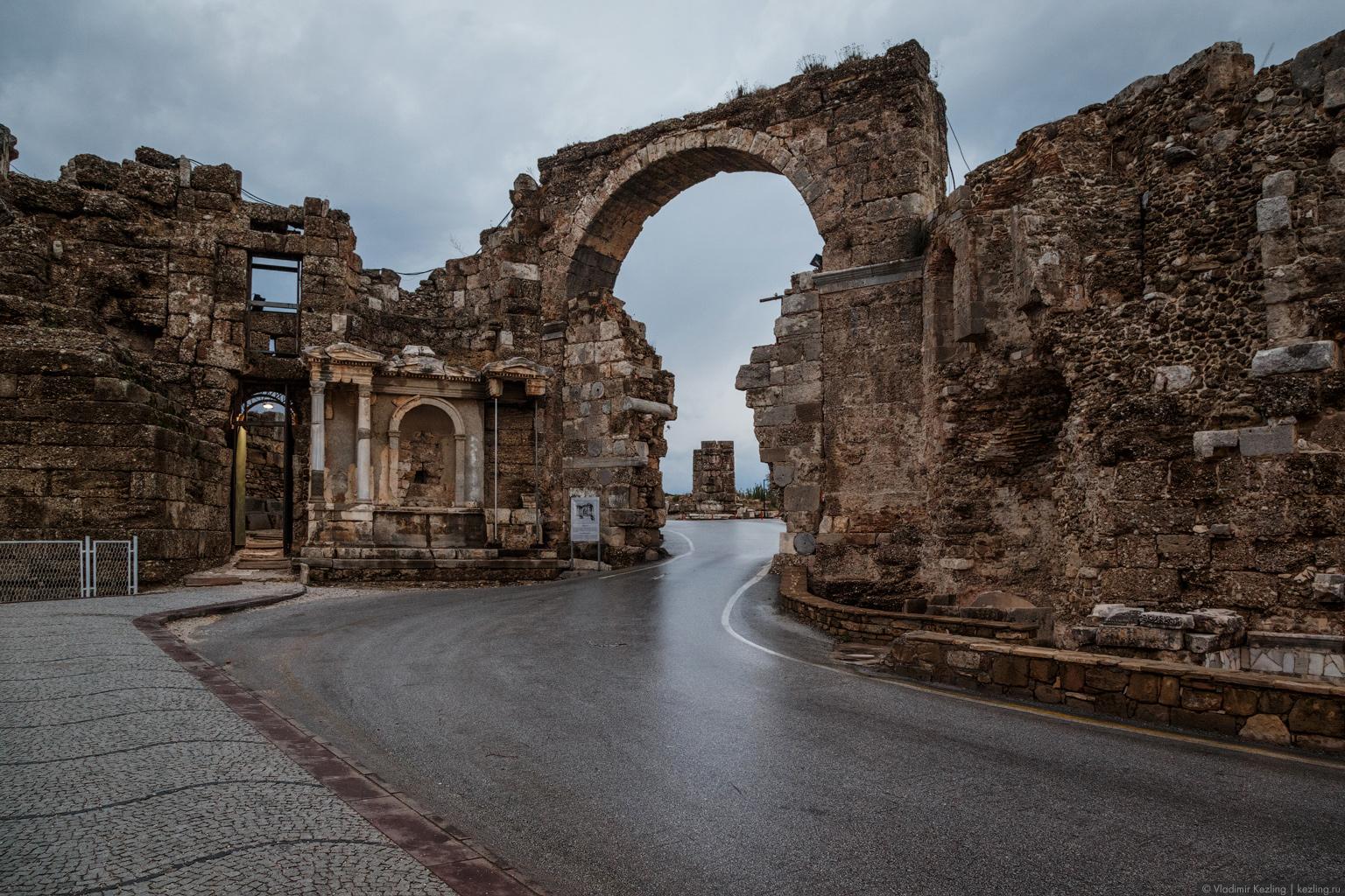 Зимняя Турция. Сиде: современность vs античность